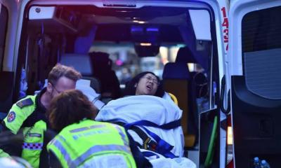 Terrorista esfaqueia mulher em Sydney e é contido por 4 homens