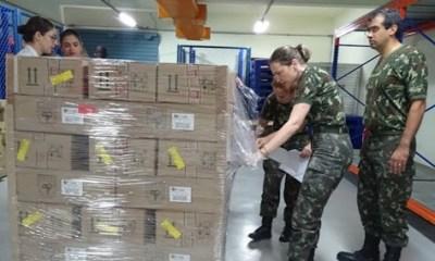 Bolsonaro diz que Exército deve produzir 1 milhão de comprimidos de cloroquina 1