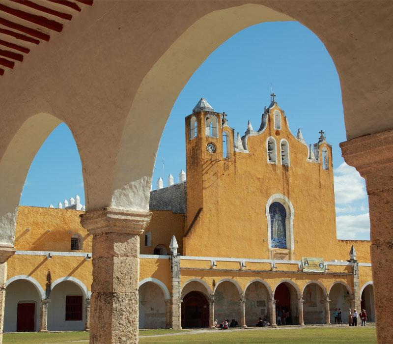 Conexstur-tour-operator-mexico-yucatan-destination-izamal-yellow-city-convent