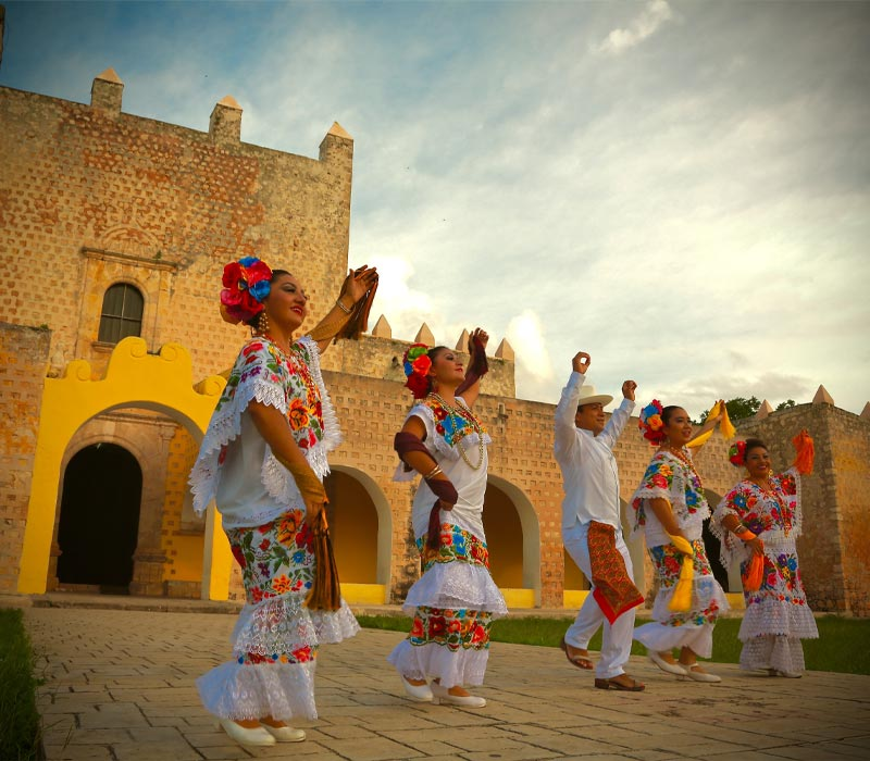 Conexstur-tour-operator-mexico-yucatan-destination-valladolid-folklore