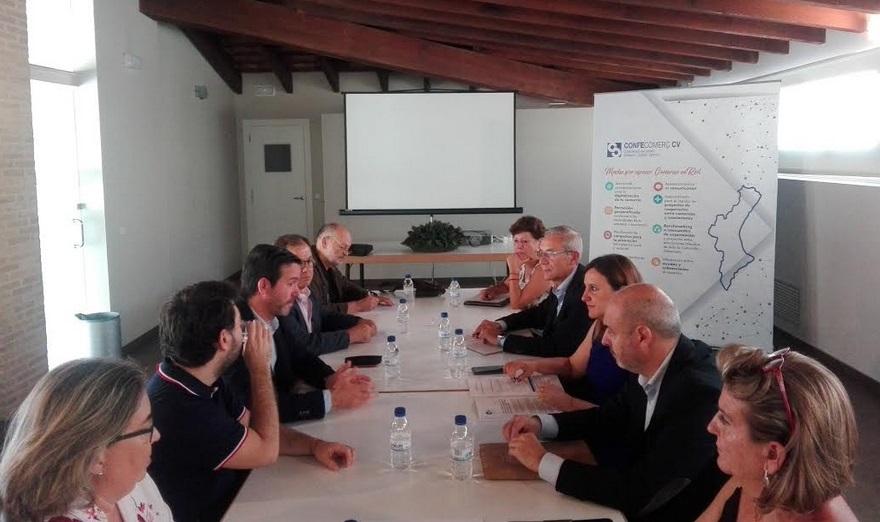 Confecomerç CV mantiene una reunión con la portavoz popular en el ayuntamiento para analizar el impacto de la subida de impuestos para el sector del comercio