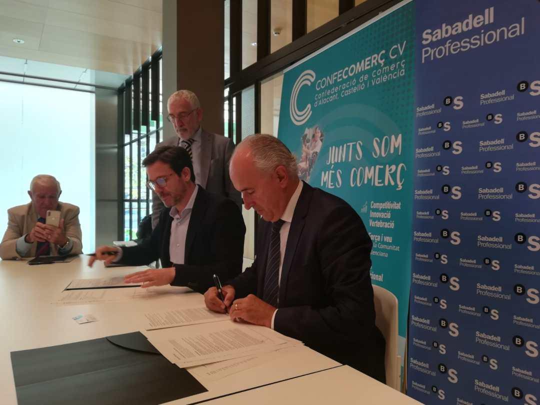 CONFECOMERc CV firma un convenio de colaboración con Banc Sabadell (10)