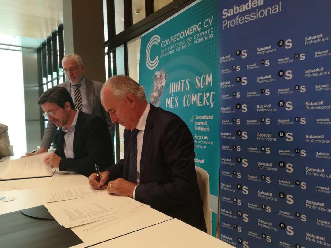 CONFECOMERc CV firma un convenio de colaboración con Banc Sabadell (11)