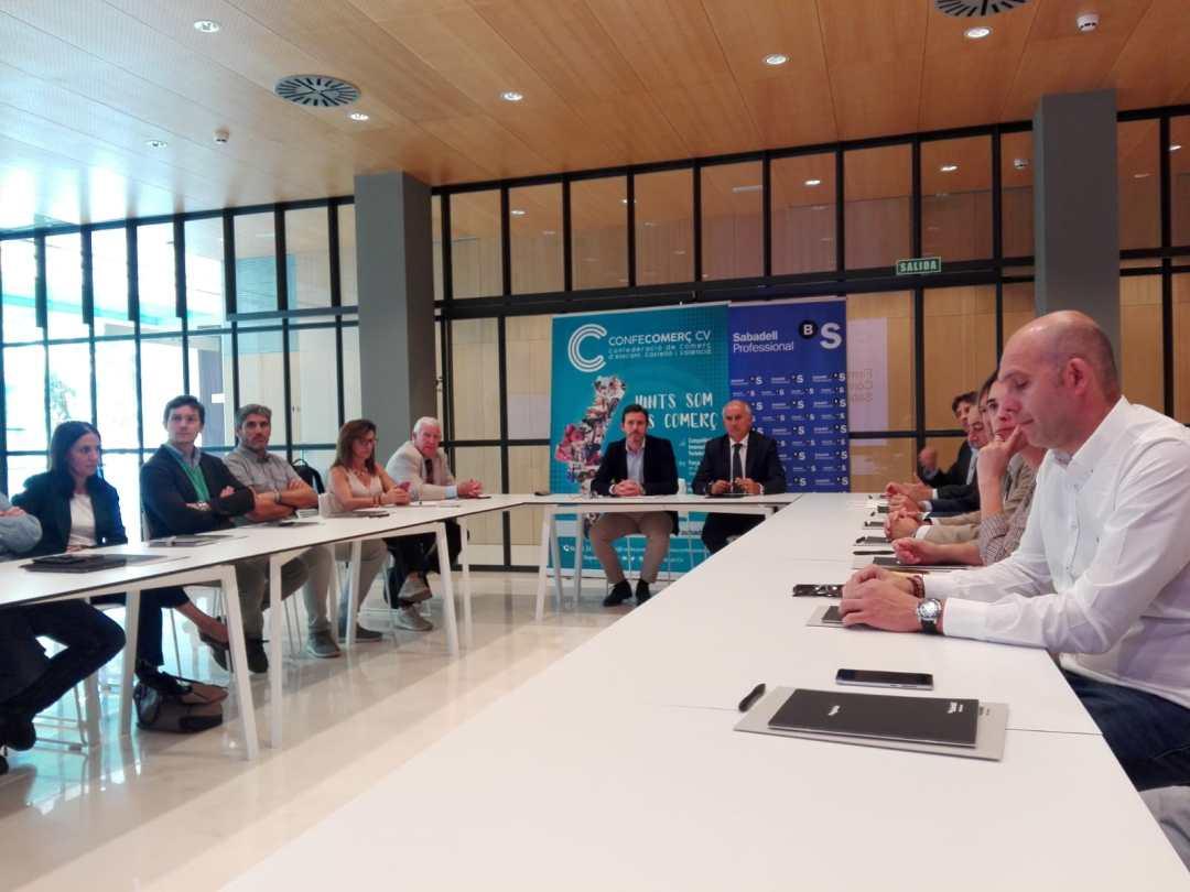 CONFECOMERc CV firma un convenio de colaboración con Banc Sabadell (13)
