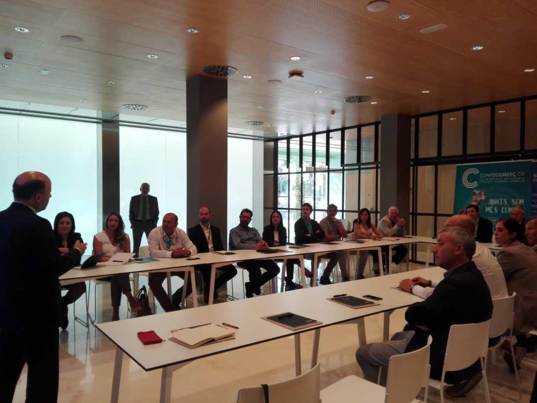 CONFECOMERc CV firma un convenio de colaboración con Banc Sabadell (16)