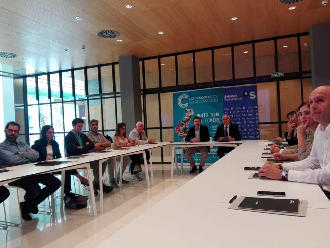 CONFECOMERc CV firma un convenio de colaboración con Banc Sabadell (2)
