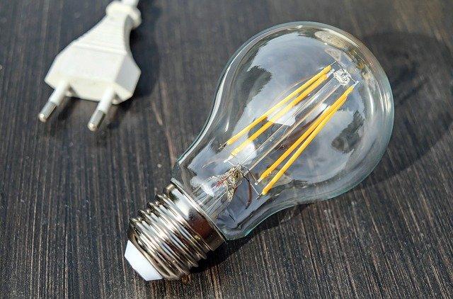 Confecomerç CV denuncia la nueva tarifa de la luz