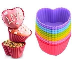 forma-silicone-cup-cake-ou-muffins-com-12-unidades-coraco-d_nq_np_19481-mlb20171418492_092014-o