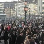 Ticket d'ingresso a Venezia: sì ma insieme alla gestione dei flussi turistici