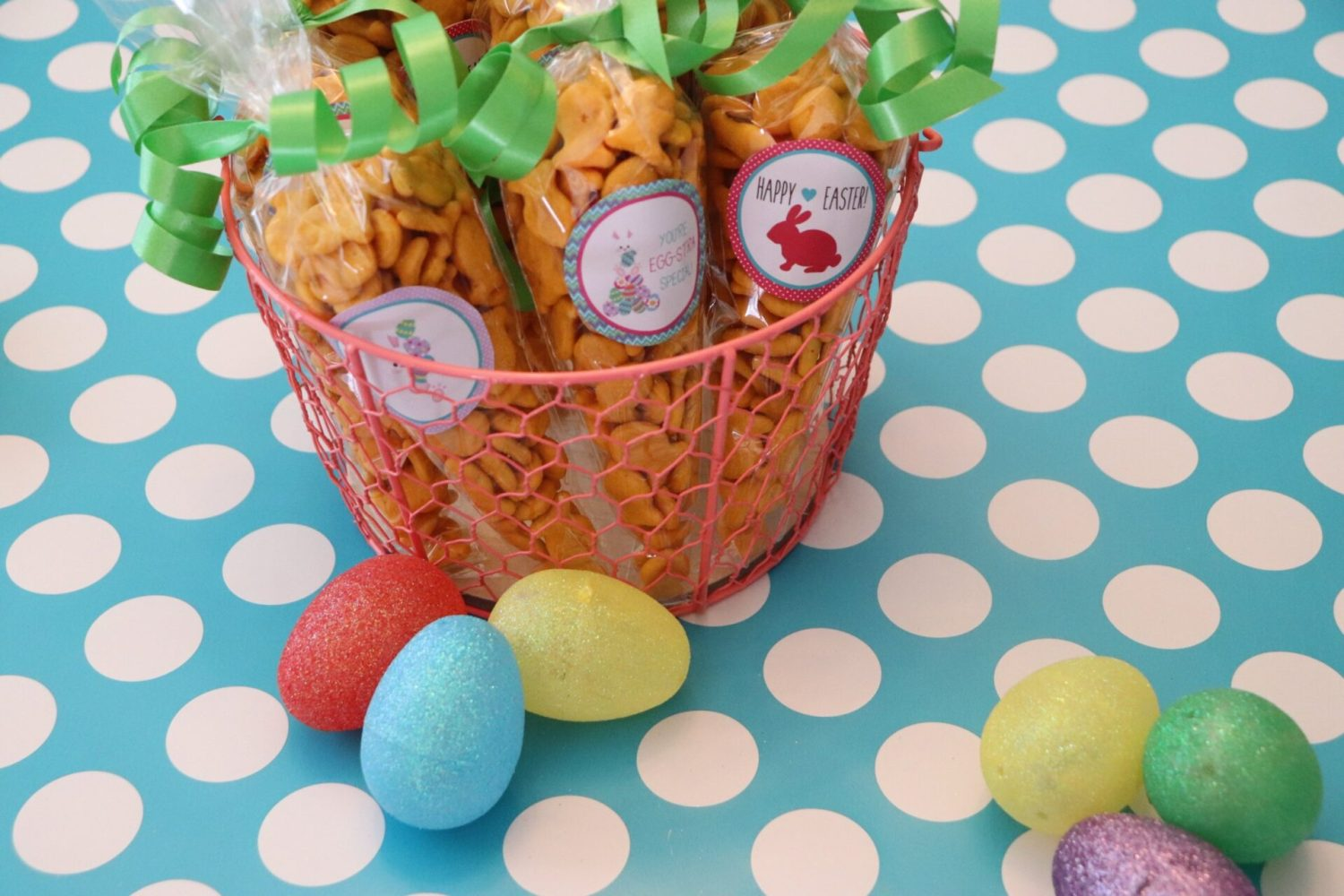 Looking for free Easter Printables this year? Well, look no further because we have the most adorable Easter stickers perfect for treat bags! And yes, we show you how to make it all right here!