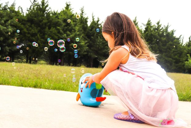 The sun is shining, the birds, are chirping and our toddlers are eager to go play outside! But what is a toddler to do to get out their energy? Well, we have 10 fun outside toddler activities to do outside during the summer!