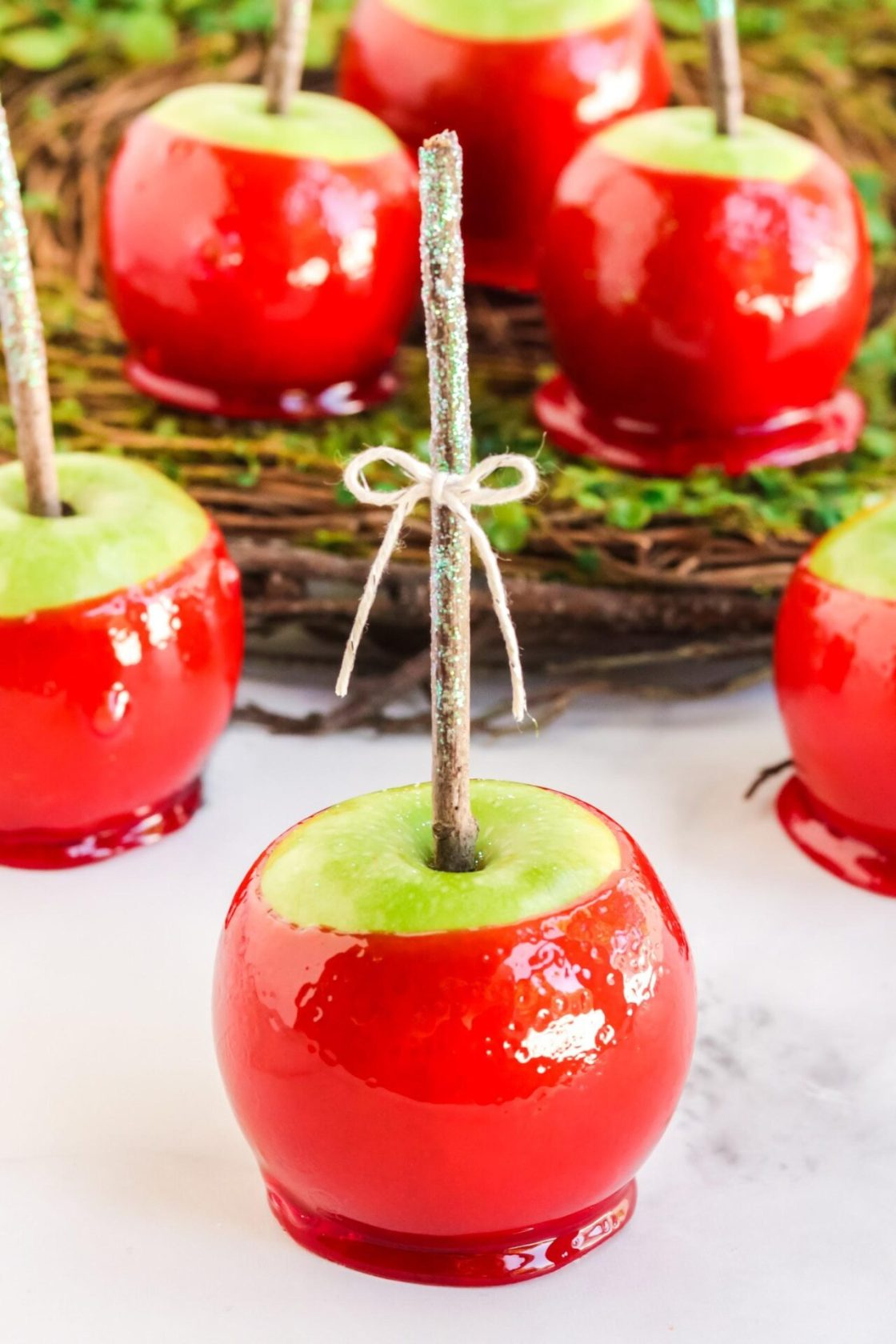 Add a pop of color this fall with this super simple Homemade candy apple recipes, otherwise known as a toffee apple outside the United States.