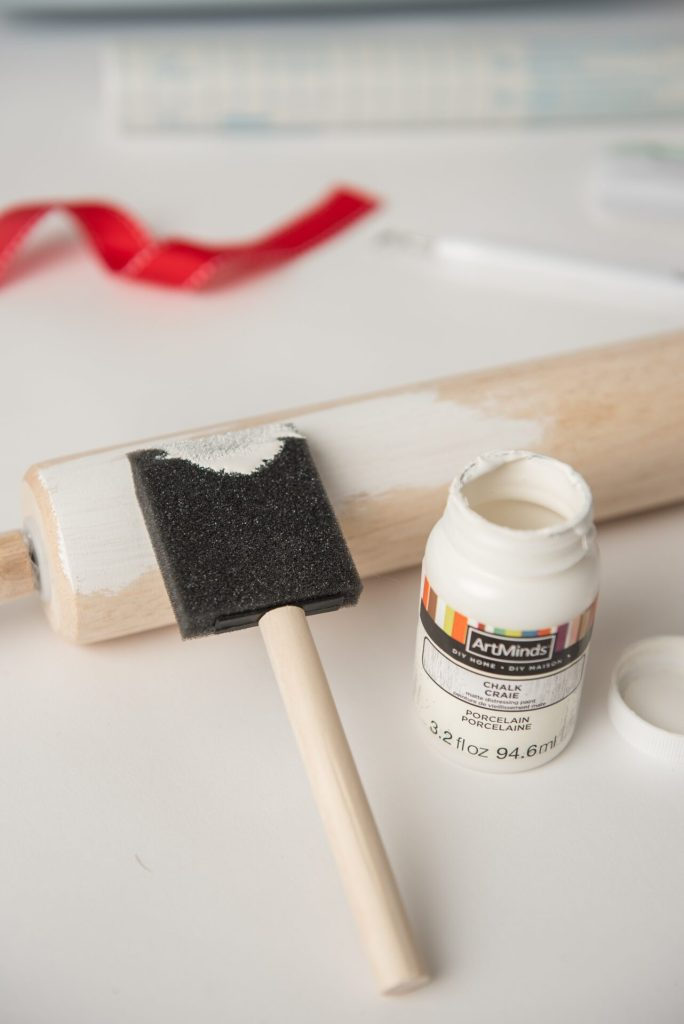 This DIY Rae Dunn Inspired rolling pin is the perfect gift to give this holiday season. It's a simple cricut project perfect for the novice to advanced.