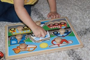 There are lots of puzzles for 2 year olds on the market. Here we break down the best puzzles for 2 year olds +best wooden puzzles for 2 year olds.