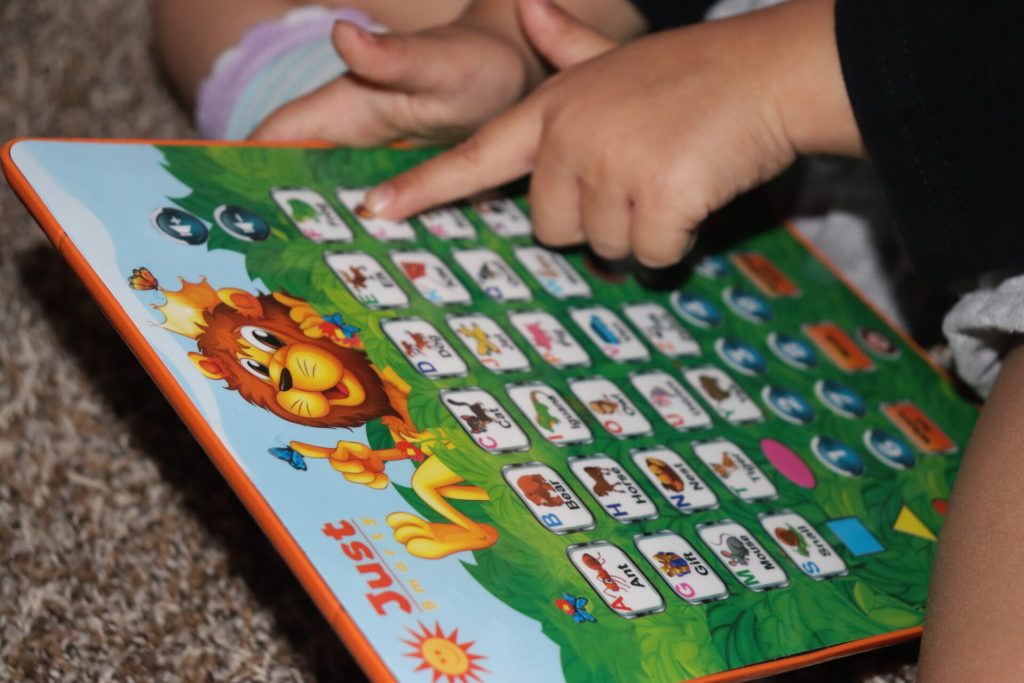 Looking for educational activities for preschoolers? We have the best educational games for preschoolers that they will have fun doing while learning!