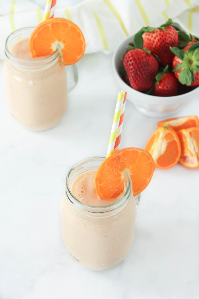 You'll feel like you're sipping a drink on the beach with this tropical fruit smoothie! Even better, it will be ready in just a few minutes with almost no preparation.