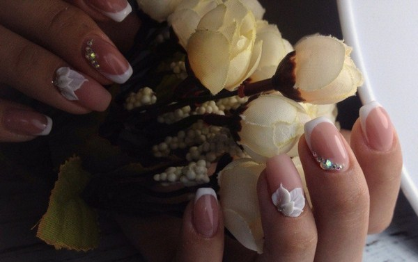 2018-2019 Bride's Wedding Manicure: Luxurious Nail Designs 6