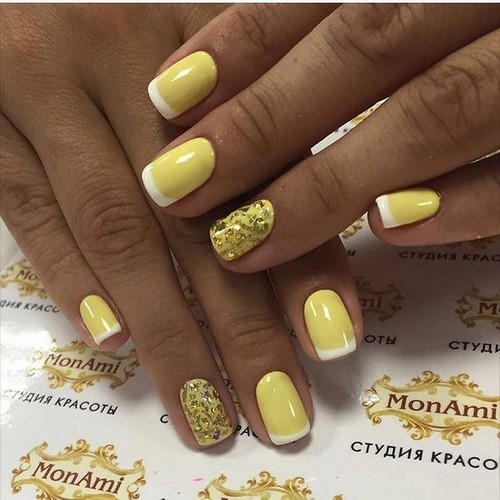 Fashionable manicure with sparkles and glitter: photos, the best ideas 44