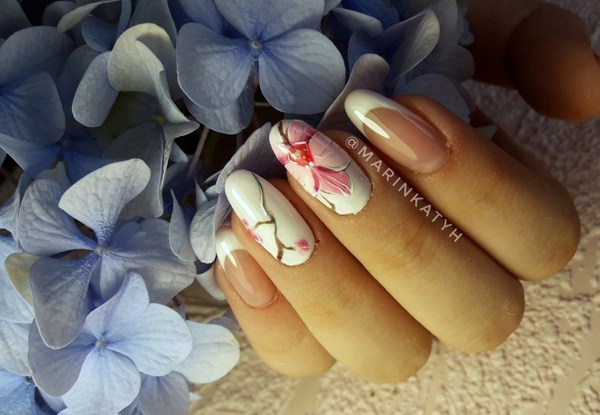 2018-2019 Bride's Wedding Manicure: Luxurious Nail Designs 17