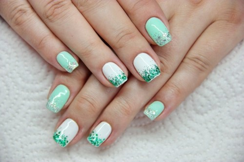 Fashionable manicure with sparkles and glitter: photos, the best ideas 3