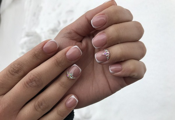 2018-2019 Bride's Wedding Manicure: Luxurious Nail Designs 20
