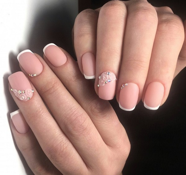 2018-2019 Bride's Wedding Manicure: Luxurious Nail Designs 27