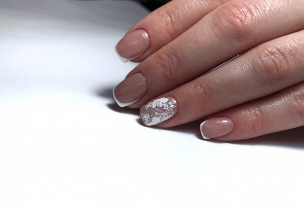 2018-2019 Bride's Wedding Manicure: Luxurious Nail Designs 21