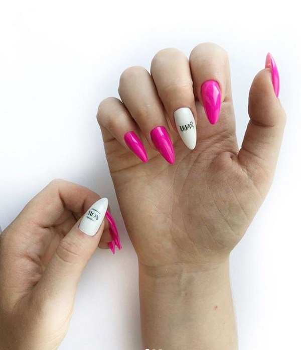 Stunning manicure with inscriptions 2018-2019 of the year: words on nails - photo ideas 11
