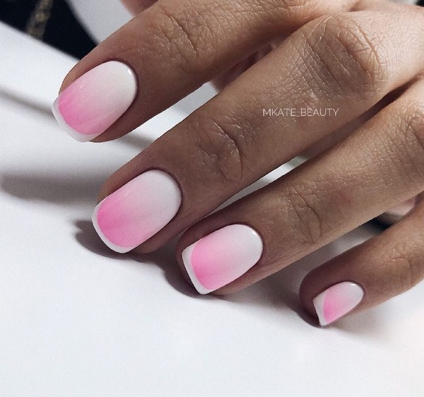 2018-2019 Bride's Wedding Manicure: Luxurious Nail Designs 37