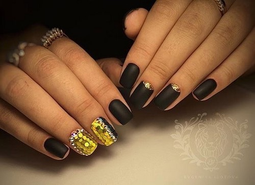 Fashionable manicure with sparkles and glitter: photos, the best ideas 6