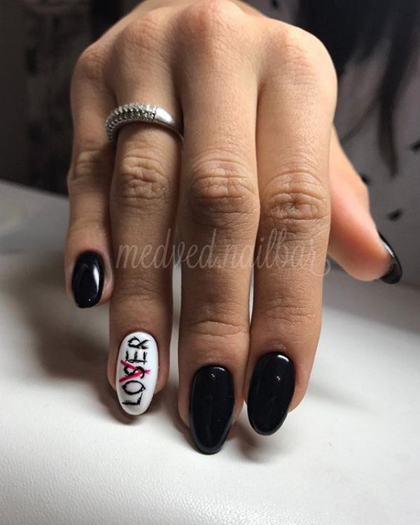 Stunning manicure with inscriptions 2018-2019 of the year: words on nails - photo ideas 7