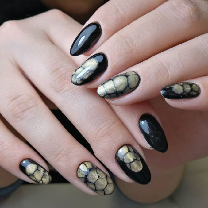 Manicure with a print: options for design 11