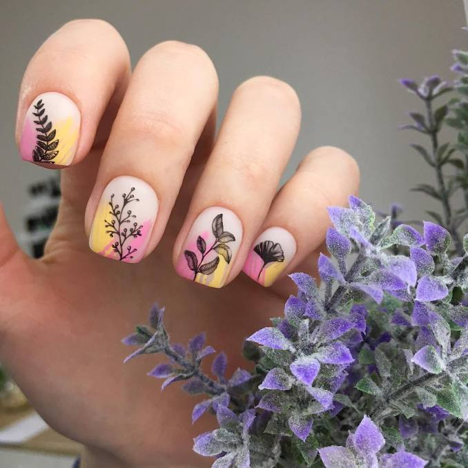 Manicure with a print: options for design 18