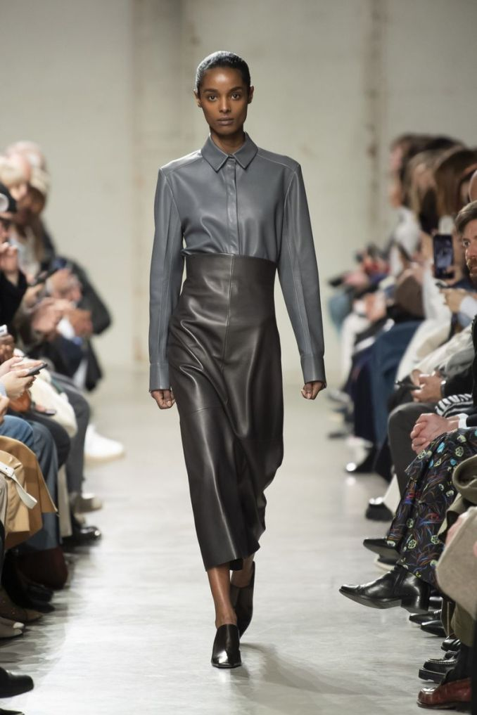Fashionable leather skirts fall-winter 2020-2021 from the Gauchere collection