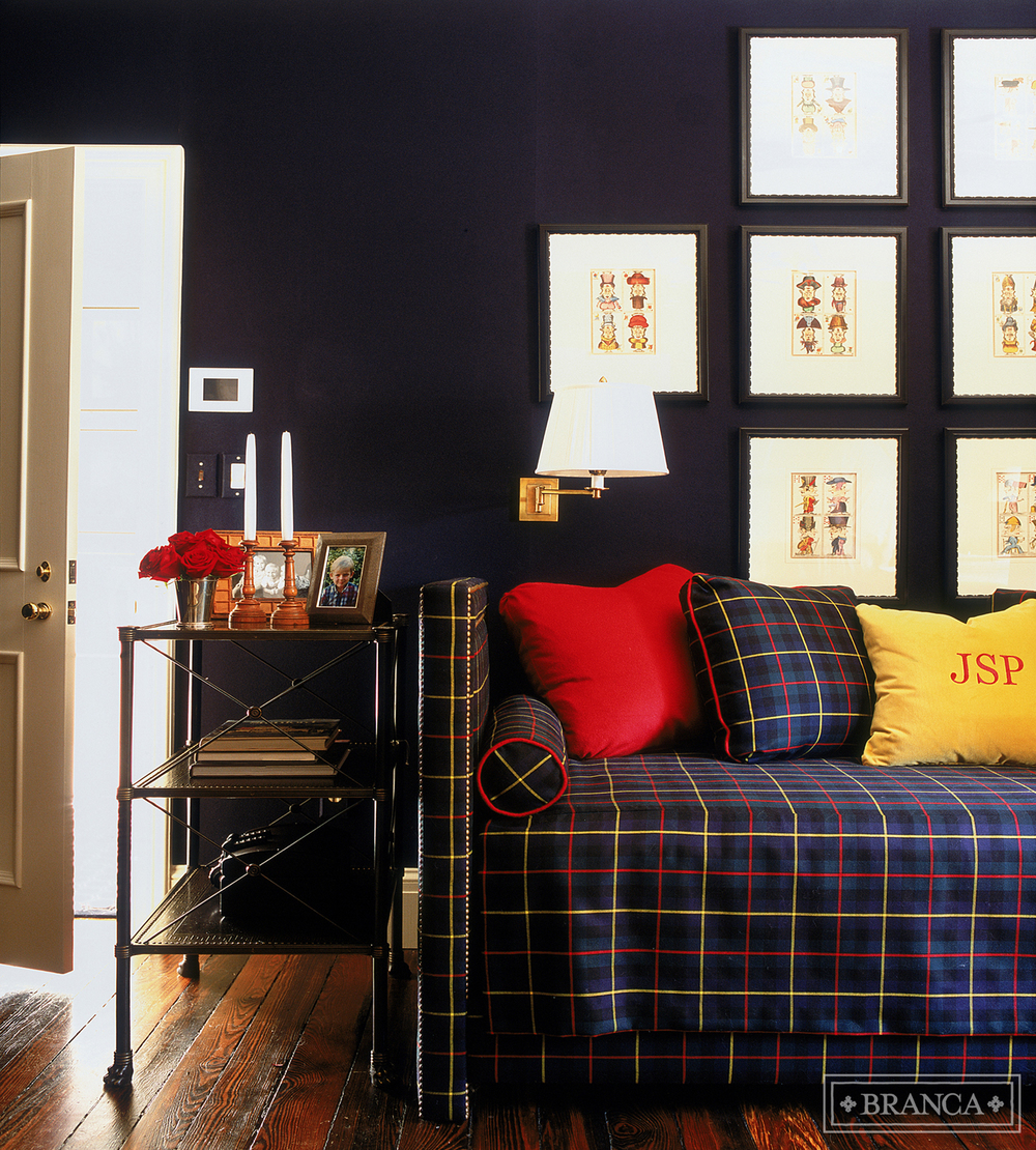 Dramatic Design That Plaid Daybed
