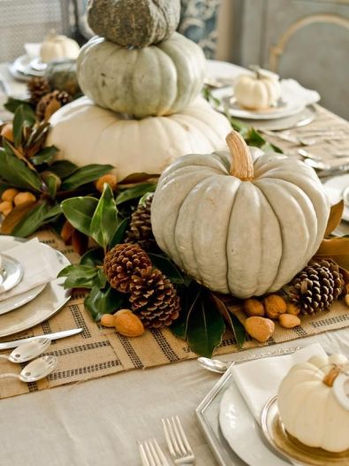 Thanksgiving Table via HGTV
