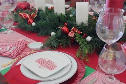 Merry & Birght Tablescape-8
