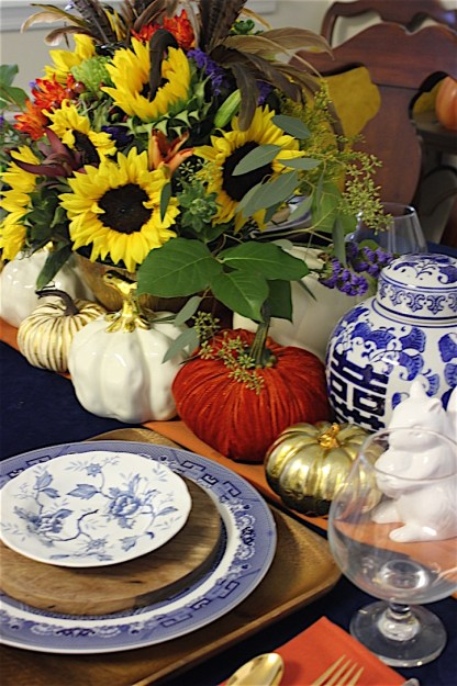 Fall tablescape by ConfettiStyle