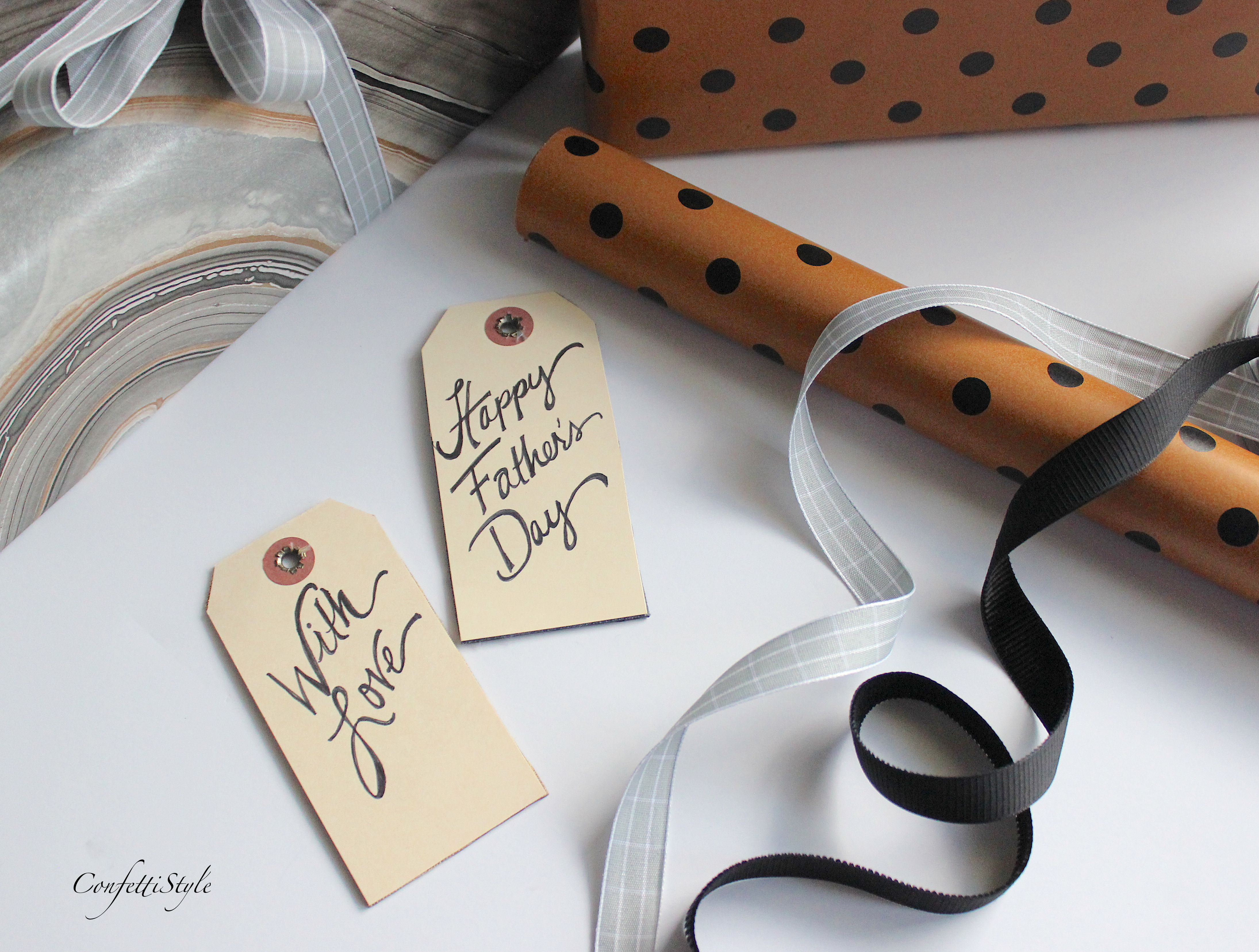 Diy Leather Gift Tag By Confettistyle