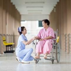 infirmière serviable