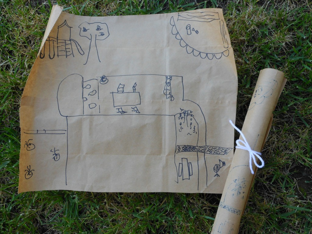 Love this outdoor pretend play idea!