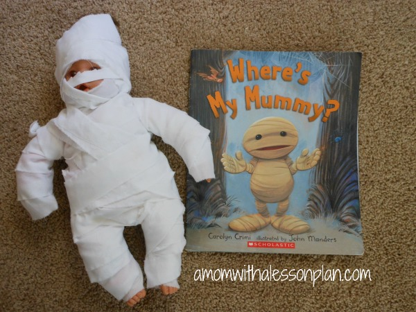 Super fun and easy Halloween book activity for kids!