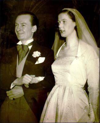 Catherine, hija del primer ministro dde Gran Bretaña, asistente junto a su marido y ministro del Aire, Julián Amery, a la corrida de toro. Su boda en el año 1950.