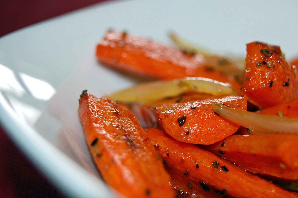 Roasted Carrots with Onion Recipe