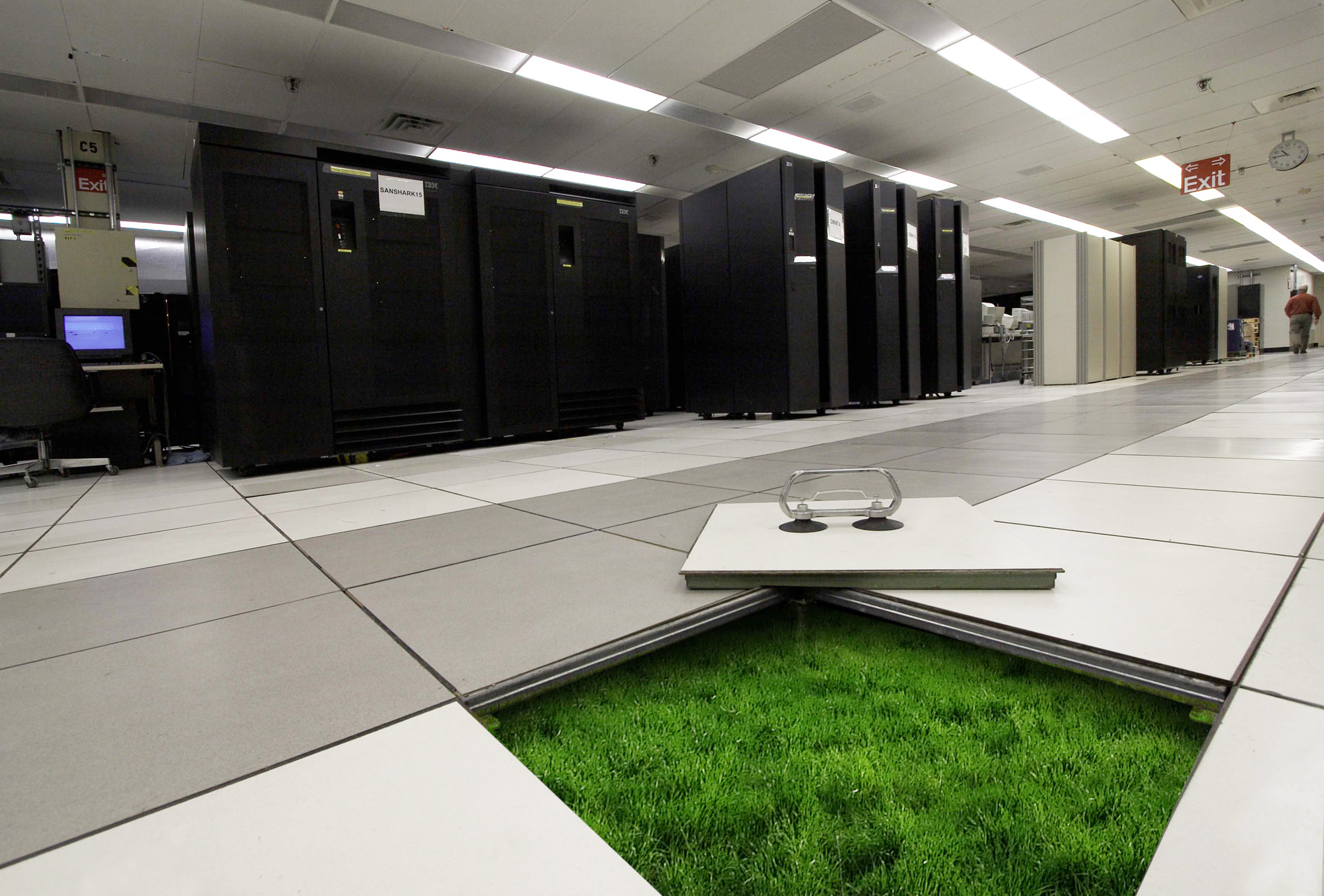 DATA CENTER SUPPLIES  Confident Technical Solutions And
