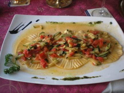 Salmon ravioli with courgette