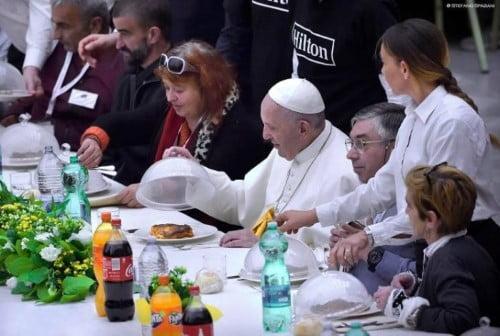 Ngày Thế giới Người nghèo: Đức Phanxicô dùng bữa ăn với 1500 người nghèo
