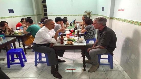 Bữa bún chả 6 đô của Tổng thống Mỹ tại Hà Nội gây xôn xao truyền thông thế giới