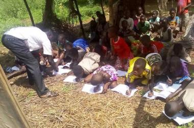 Sad reality in the Democratic Republic of Congo more precisely in the province of equator in the village of BOKAKIYA the education of our children is in the process of disappearing school WILLY BAKONGA.