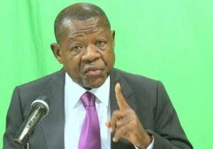 RDC/Élections: Lambert Mende retire l' accréditation d' une correspondante de rfi